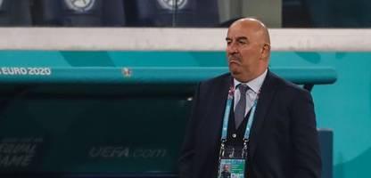 fußball-em: russland-trainer tschertschessow redet nicht übers knien