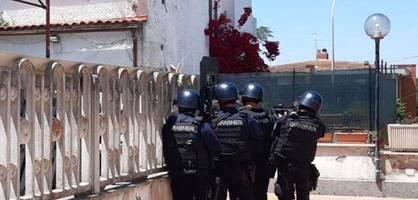 mann erschießt nahe rom zwei spielende kinder und 84-jährigen