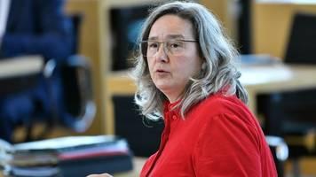 ministerin: corona-schutz nicht voreilig über bord werfen