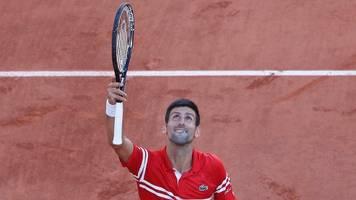 Novak Djokovic schenkt Fan seinen Schläger