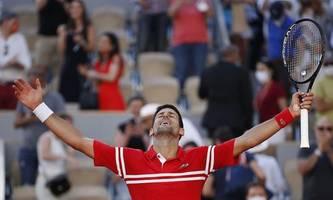 French Open: Djokovic gewinnt in fünf Sätzen gegen Tsitsipas