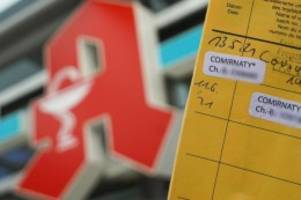 Krankheiten: Digitaler Impfpass: Apotheken-Server nach Start überlastet