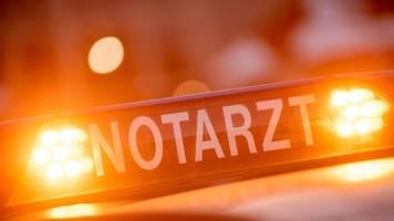 Bundeswehr-Laster kippt auf Auto: Frauen schwer verletzt