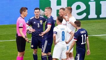 Schottland gegen Tschechien: Schiedsrichter Siebert ohne Probleme bei EM-Premiere