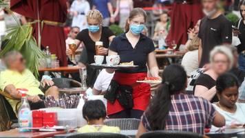 Corona-News   Experte: Ohne Masken droht Wiederaufflammen der Pandemie