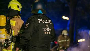 Berlin: Einsatzkräfte nahe Rigaer 94 offenbar in Hinterhalt gelockt