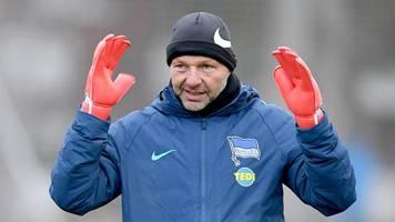 Torwarttrainer muss gehen - Homophobe Aussagen: Hertha stellt Petry frei