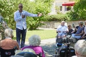 Vor Chicago-Premiere: Musicaldarsteller Alexander Franzen singt für Senioren