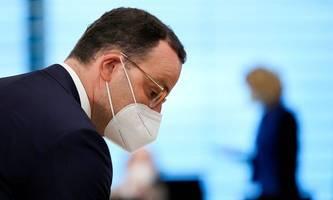 Deutscher Gesundheitsminister Spahn für Masken-Aus im Freien