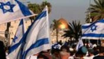 israel: tausende nationalisten marschieren durch jerusalem