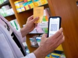 Impfzertifikate: Gibt der Bund schon wieder zu viel Geld aus?