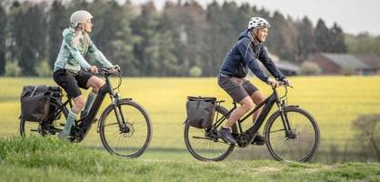 Dieses Zubehör sollten Fahrrad-Urlauber dabei haben