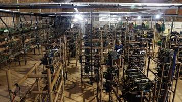 die karawane zieht weiter: bitcoin: wo die miner künftig schürfen