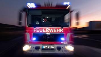 Brand in Wohnhaus: Feuerwehr bringt Säugling in Sicherheit