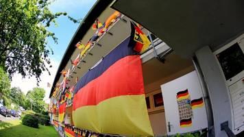EM 2021: Welche Deutschlandflagge ist privat erlaubt – welche nicht?