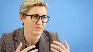 linke-chefin hennig-wellsow stellt sich vor wagenknecht
