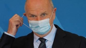 Maskenpflicht im Freien gestrichen: Aufruf zum Impfen