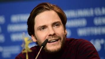 Schauspieler: Mit 43 feiert Daniel Brühl sein Regiedebüt