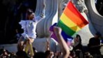 LGBTQI-Rechte in Ungarn: Kinder sollten lernen, dass wir Menschen sind