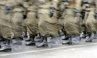 neos beklagen mangelnde einbindung bei heeresreform, fpÖ und spÖ warnen vor umfärbung