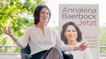 Grünen-Chefin: PR-Profi soll Annalena Baerbocks Wahlkampftour leiten