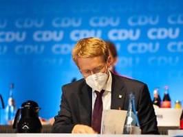Bisher nicht zu weit gegangen: Günther verteidigt Öffnungsschritte