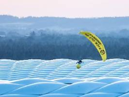 misslungener protest bei em: greenpeace zieht konsequenzen nach kritik
