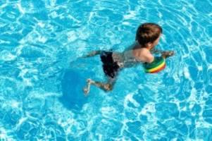 badeunfälle: tod im wasser: warum junge kinder oft lautlos ertrinken