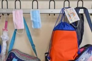 schulen: maskenpflicht auf schulhöfen in niedersachsen aufgehoben
