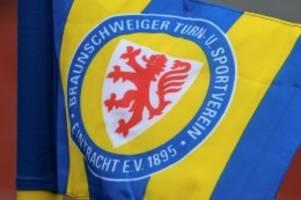 Fußball: Zwei Zu-, drei Abgänge: Braunschweig arbeitet an Neuaufbau
