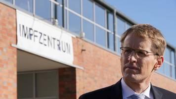 Günther verteidigt Öffnungskurs in Corona-Pandemie