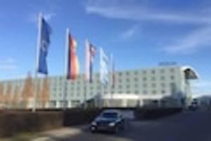 skandal weitet sich aus - razzia wegen massen-impfung von italienischen hotel-mitarbeitern in münchen