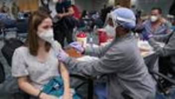 Coronavirus weltweit: US-Regierung feiert 300 Millionen Impfungen