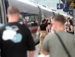 Wappnen gegen Klimaerwärmung: Nur noch halb so viele fahren Deutsche Bahn