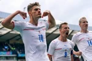Fußball-EM: Blutender Held Schick bringt Tschechien auf Kurs