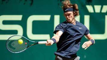 rubljow erreicht endspiel des tennis-turniers in halle