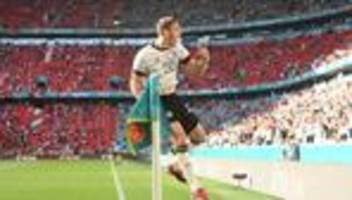 fußball-em: deutschland lebt noch