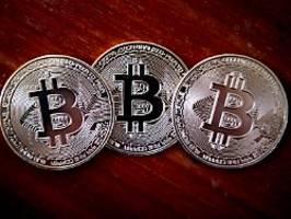 Unter 34.000 Dollar: Bitcoin-Kurs bricht erneut ein