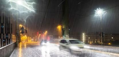 Wetterdienst warnt: Gewitterfront bringt Starkregen, Kaltfront folgt