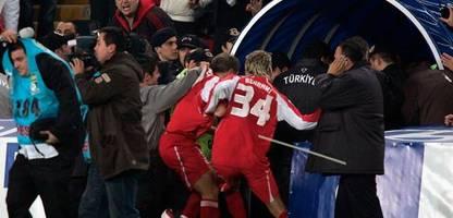 EM 2021: Türkei gegen Schweiz 2005 - als ein Fußballspiel zur Schande wurde