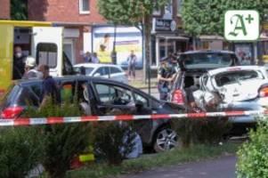 hamburg: kind stirbt bei massenunfall auf der bramfelder chaussee