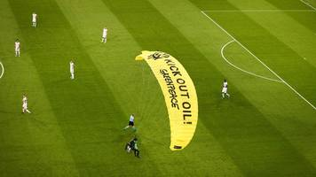 EM-Spiel in München: Greenpeace-Entschuldigung für misslungene Protestaktion