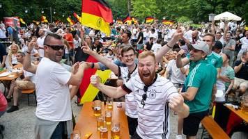 Ministerium prüft nach Fußballfest schärfere Vorgaben