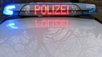 Zwei Menschen wohl bei illegalem Autorennen verletzt