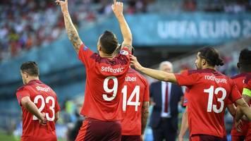 fußball-em: shaqiri wahrt schweizer achtelfinal-chance - aus für türkei