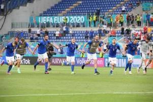 Italien jubelt weiter - auch Wales qualifiziert sich für Achtelfinale