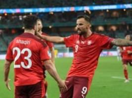Schweiz gegen die Türkei: Die Sportwagen besiegen die Spaziergänger