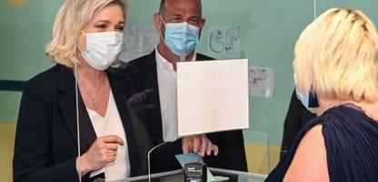 Regionalwahlen in Frankreich: Schwaches Ergebnis für Marine Le Pen