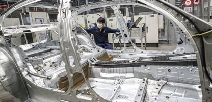 BMW: Oliver Zipse warnt vor zu frühem Abschied vom Verbrenner