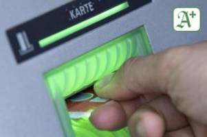 Geldanlage: Strafzinsen – was Bankkunden jetzt wissen sollten